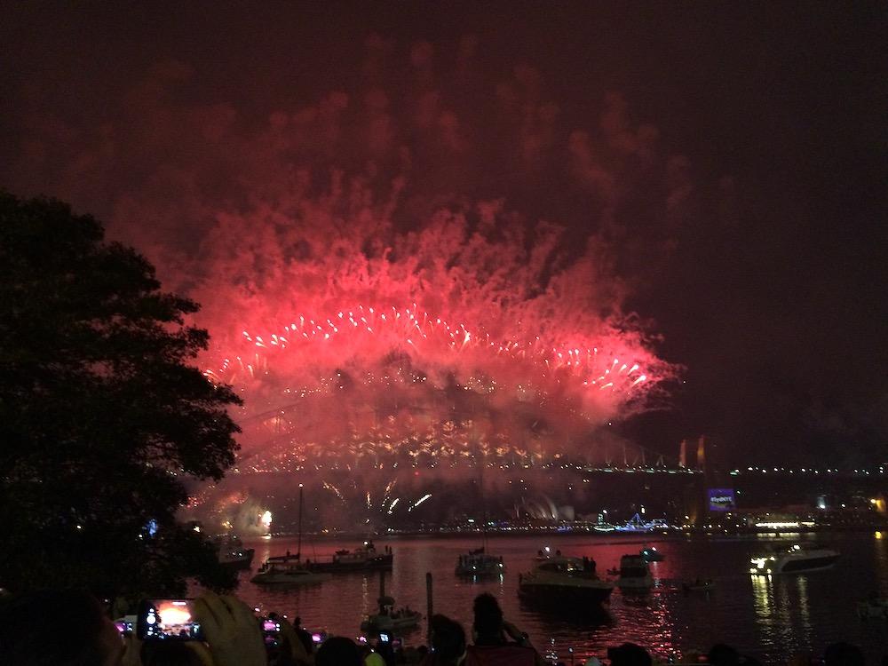 ハーバーブリッジ シドニー 花火